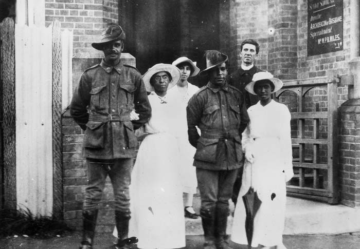 Servicemens wedding at Charlotte Street Brisbane 1917